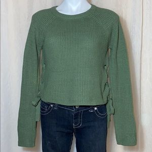 moon & madison green colored sweater